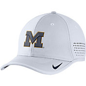 Nike Men's Michigan Wolverines White Vapor Sideline Coaches Hat