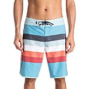 Quiksilver Men's Seasons Scallop Board Shorts