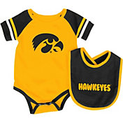 Colosseum Infant Iowa Hawkeyes Roll-Out Onsie And Bib Set