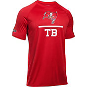 Under Armour NFL Combine Authentic Men's Tampa Bay Buccaneers Lockup Logo Tech Red T-Shirt